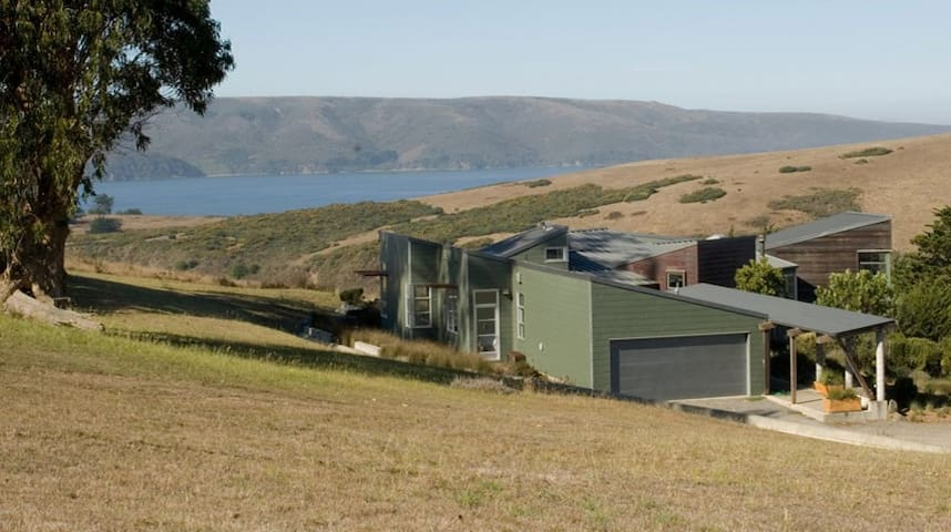 Modernist Masterpiece Overlooking Tomales Bay - Tomales - Huis