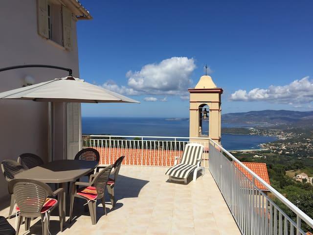 Maison vue panoramique mer et golfe - Calcatoggio