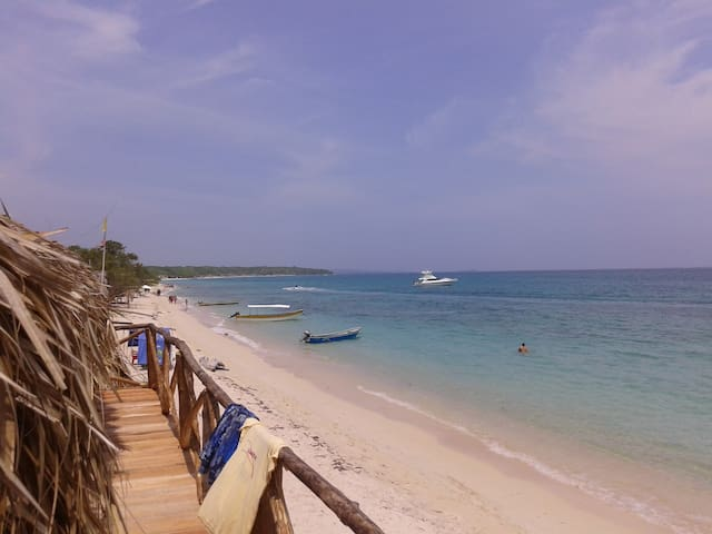 Hostal Playa Blanca, beachfront - Ararca, Baru - Casa de campo