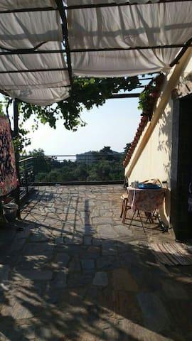 Cozy private room at Christos rachon - Raches
