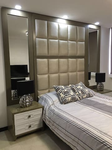 Luxury Bedroom with Amazing Views - Guayaquil - Condomínio