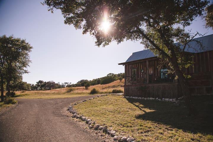 Cabins at Red Rock - Fredericksburg - Oda + Kahvaltı