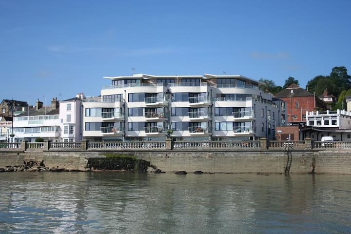 Contemporary apartment in the heart of Cowes - Cowes - Appartement