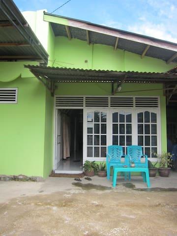 Padang Homestay 4 - Nanggalo - Haus