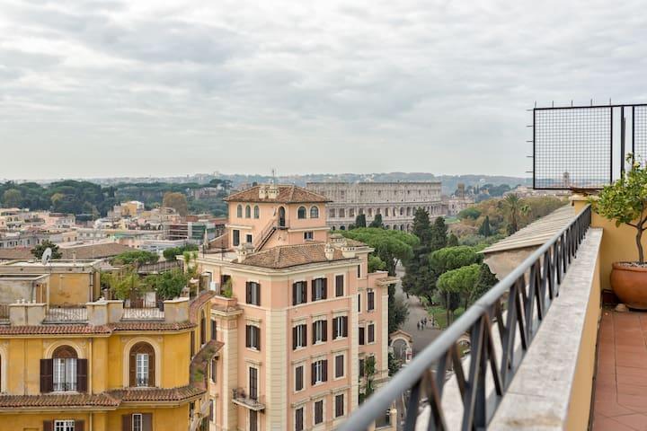 Colosseo Terrace 180° - Rome