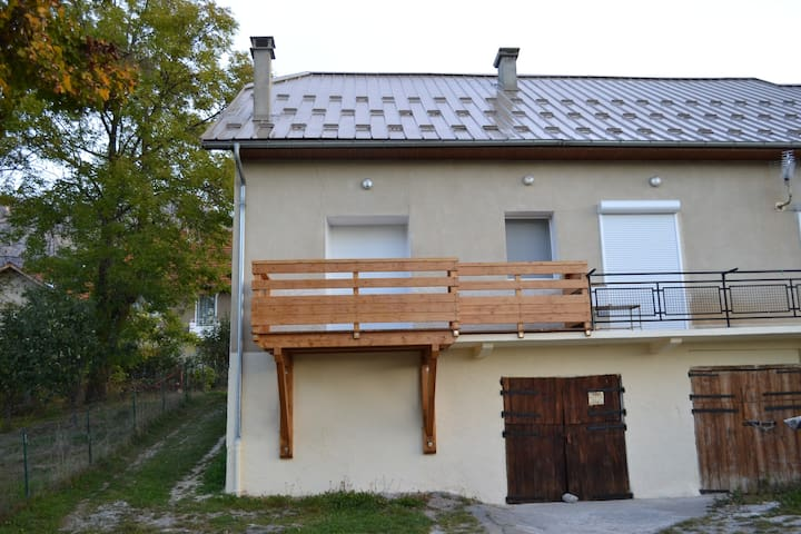 Appart 55 m2 dans hameau, 6 pers - Chorges - Appartement
