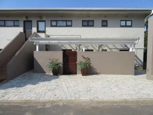 Tweni Beach House - Port Shepstone - Hus