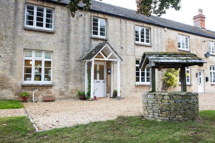 Gorgeous Cotswolds farmhouse - Oxfordshire - Huis