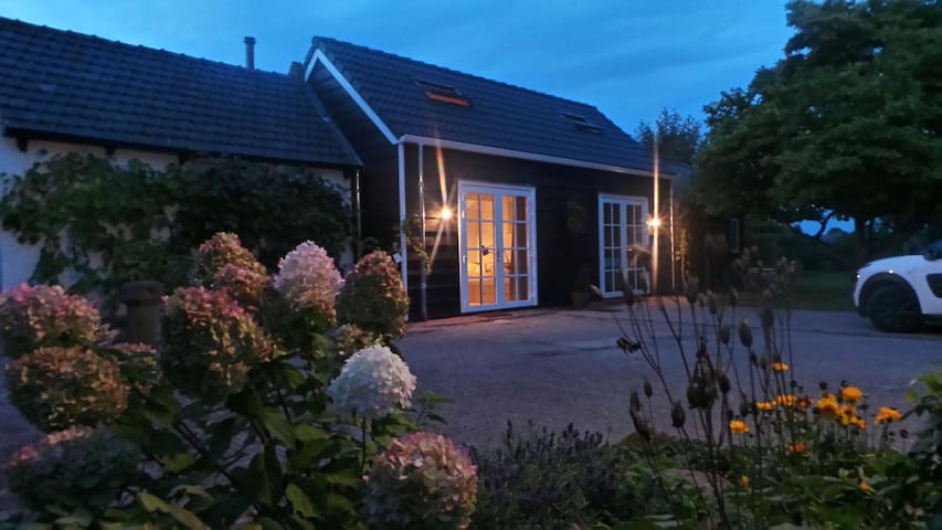 Cozy B & B includes its own kitchen and bathroom - Wolphaartsdijk - Гестхаус