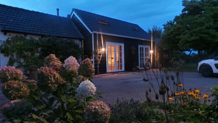 Cozy B & B includes its own kitchen and bathroom - Wolphaartsdijk - Bed & Breakfast