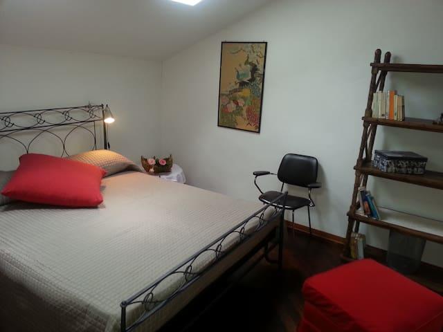 Camera Dalia - San Salvatore Monferrato - Bed & Breakfast