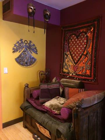 Artsy 2 Bedroom Apt. in Harlem, NY - ニューヨーク - 別荘