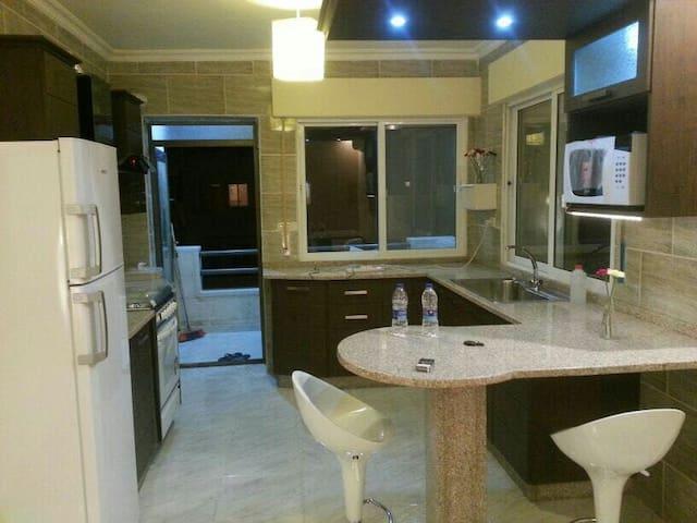 Luxury furnished apartment in irbid - اربد - Lejlighed