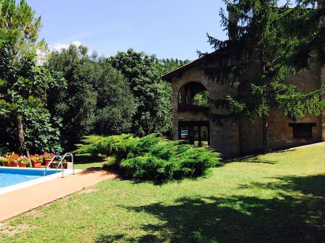 Chalet privato con piscina - swimming pool - Esanatoglia - 別荘