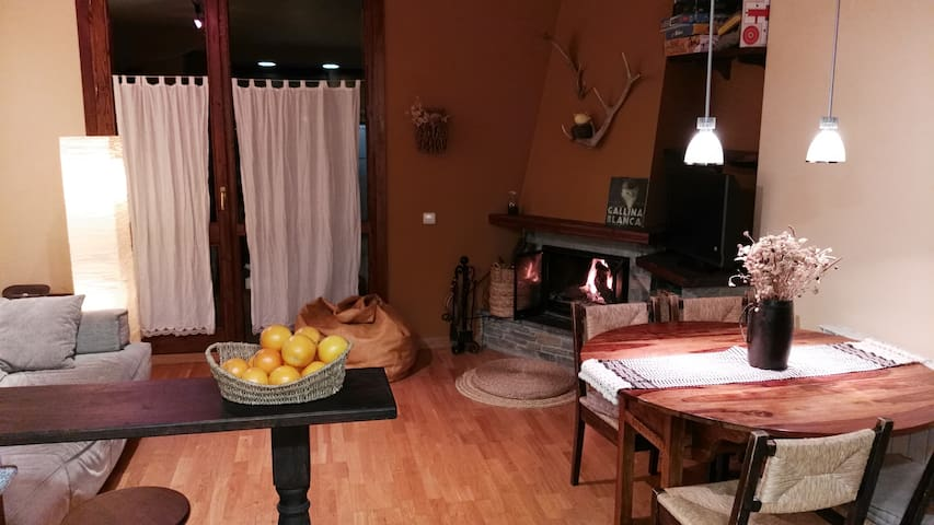 Acogedor apartamento en la Montaña - Isil - Daire