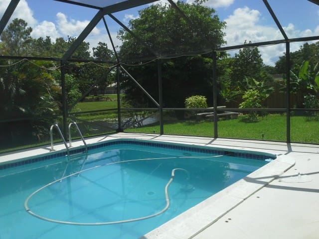 Private Room - with Pool & Lake-View - Coral Springs - Huis