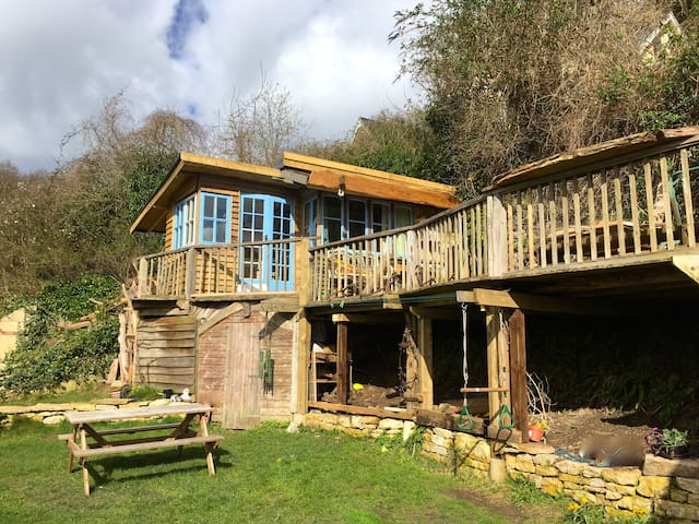 Chestnut Cabin, Rustic stay with stunning views - Gloucestershire - Stuga
