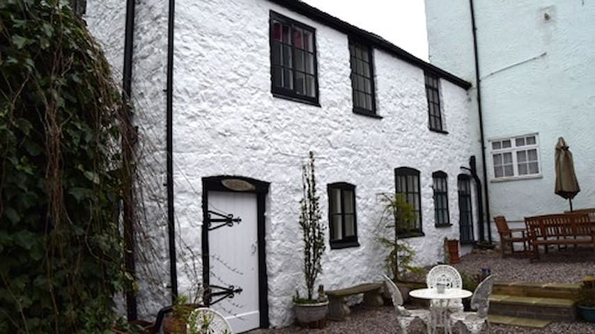 Old Printers, charming cottage, town centre - Ruthin - 一軒家