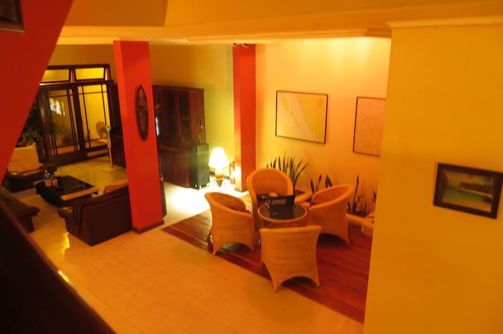 NEW HOUSE PADANG - Guest House - Padang Barat - Oda + Kahvaltı