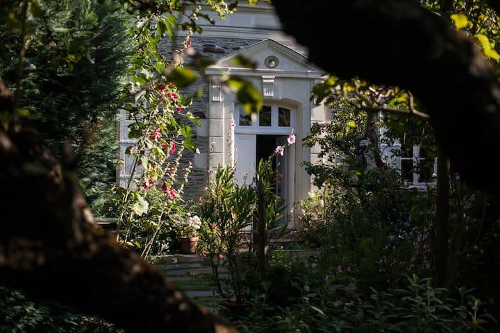 Chambre cosy dans maison de charme pt déj compris - La Daguenière - Pension