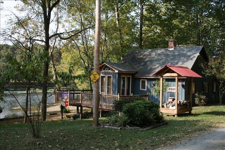 Bella Casa on the New River - Waterfront Retreat - Draper - Stuga