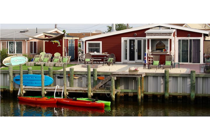 Cozy Cottage on the Lagoon - Stafford Township - Bungalow