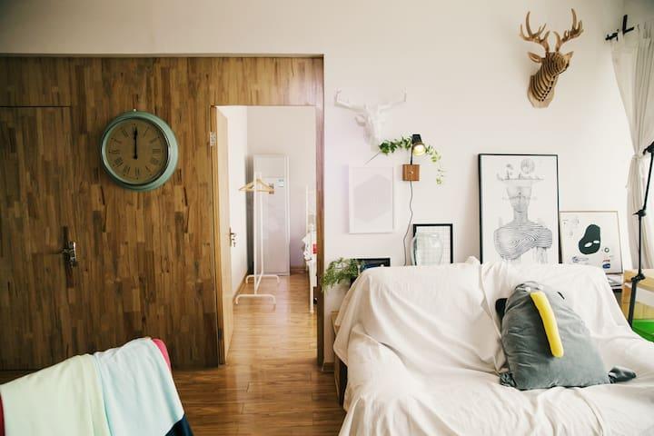 一宅·Room3-厦鼓码头旁10分钟达鼓浪屿设计师海景两房-宁静 - Xiamen - Huoneisto