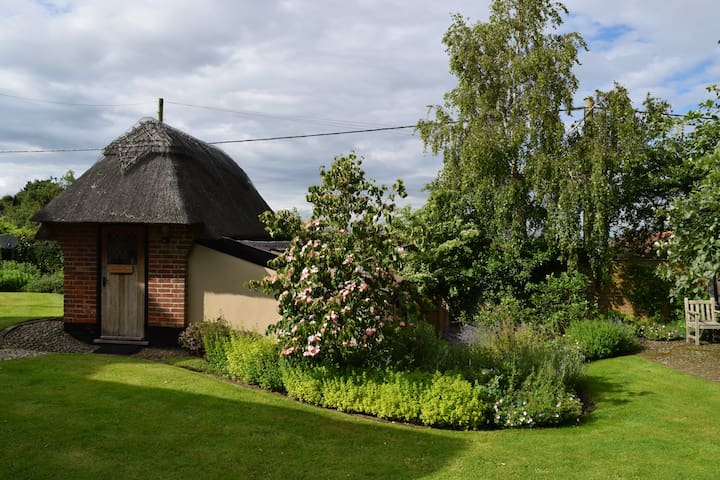 The Hobbit House - private mini-cottage - Walberswick - Rumah
