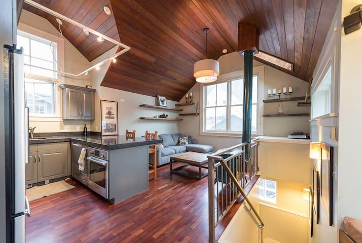 Private Home Ideal Location! 1 Block From Gondola! - Telluride