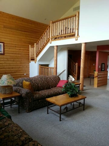 LUXURY CABIN AT GRAND BEAR RESORT ! - utica - Chatka
