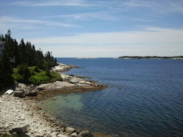 Oceanfront view for nature enthusiasts. - Blind Bay