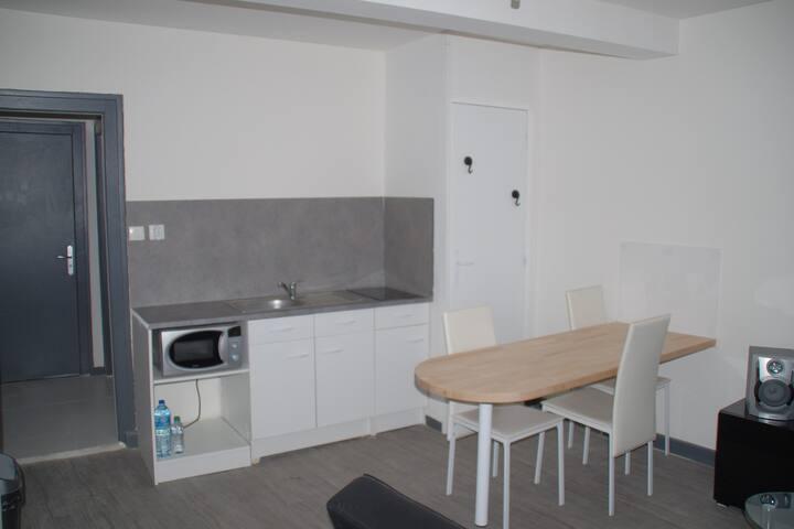 Appartement bien équipé - Guingamp - Lägenhet