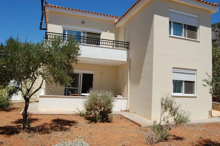 2BR Apartment groundfloor close to Monnemvasia - Laconia - Apartament