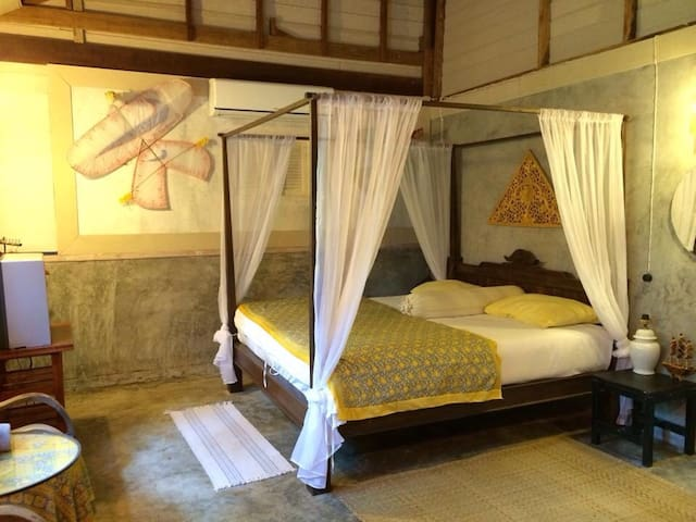 Sea view home on the little hill 10 - อ่าวลึก - Bed & Breakfast