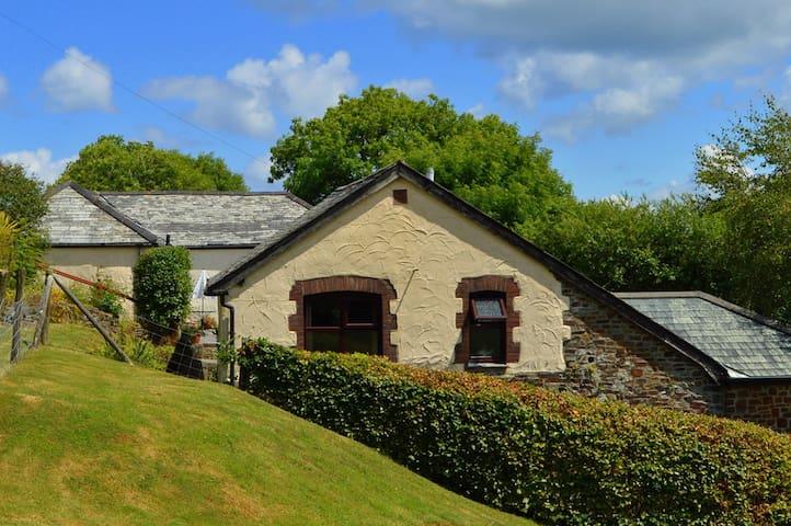 Shipload Cottage - Hartland - Huis