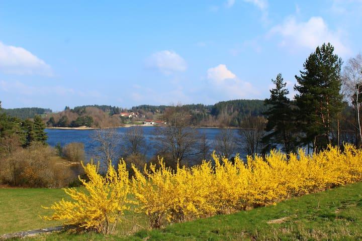 Côté lac - Chenereilles - Casa