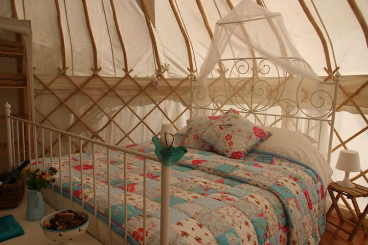 Luxury Yurt in the undiscovered Auvergne - Laval-sur-Doulon - Jurta