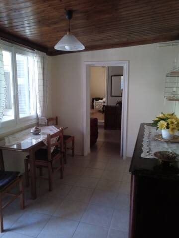 Casa Anna House (cozy home in central place!) - Agia Paraskevi - Hus