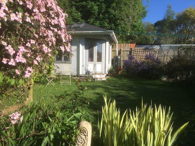 A garden Glamping experience - Ashburton - Oda + Kahvaltı