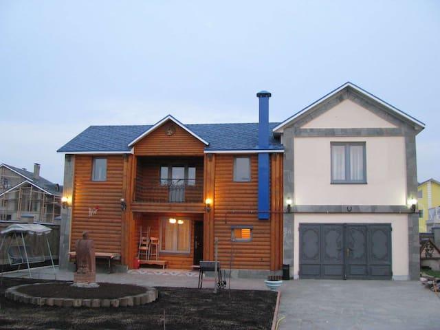 Уютный деревянный дом (есть Сауна!) - Рассказовка - Casa