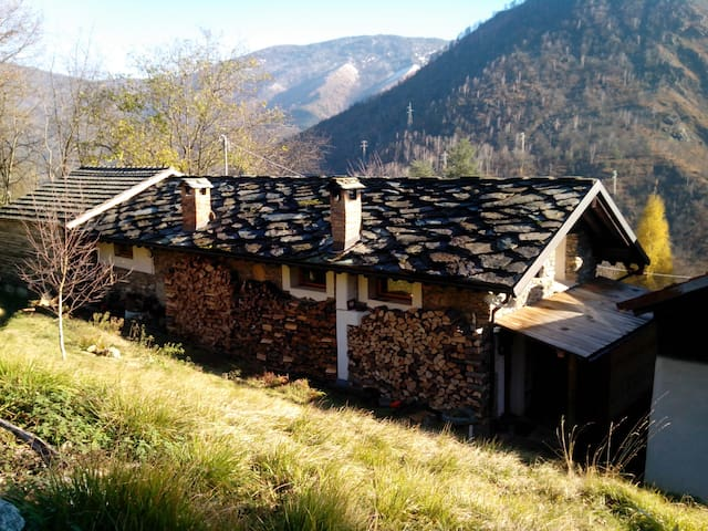 Studio Apartment in old traditional alpine house - Viu - Departamento