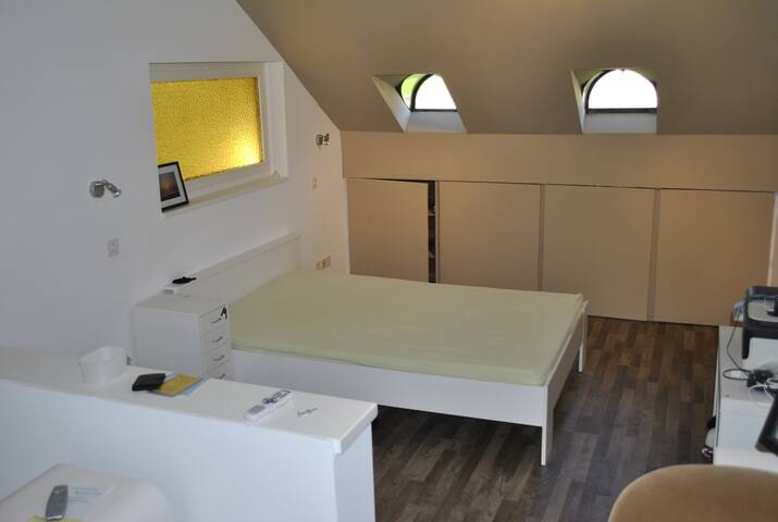 Privatwohnung, günstig, für bis zu 2 Personen - Diegten