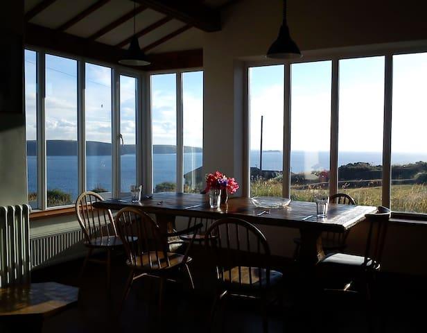 Stunning sea views by coastal path - Broad Haven - Casa