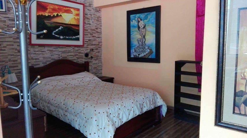 APARTMENT 2/4PAX, FULLY FURNISHED, TERRACE - Baños de Agua Santa - Apartament