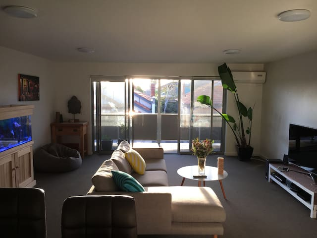 Chilled apartment in Funky Footscray - Footscray - Leilighet