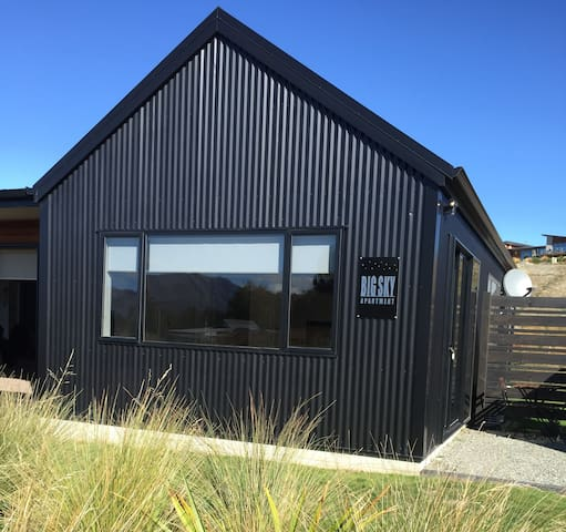 Sunny, warm, self contained apartment - Lake Tekapo - Appartement