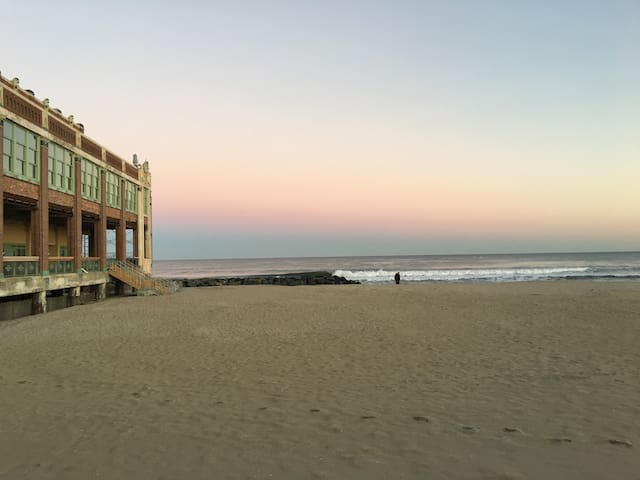 Cute and Close to Everything! - Asbury Park - Casa