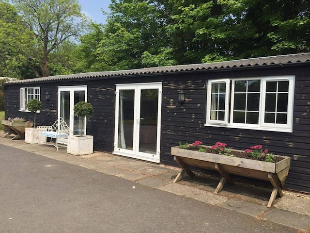 The Party Barn - New Alresford - Bungalov