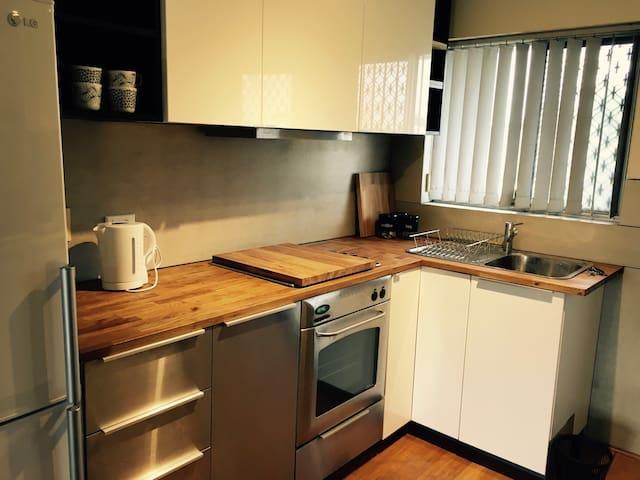 Gorgeous furnished apartment - Osborne Park - Departamento