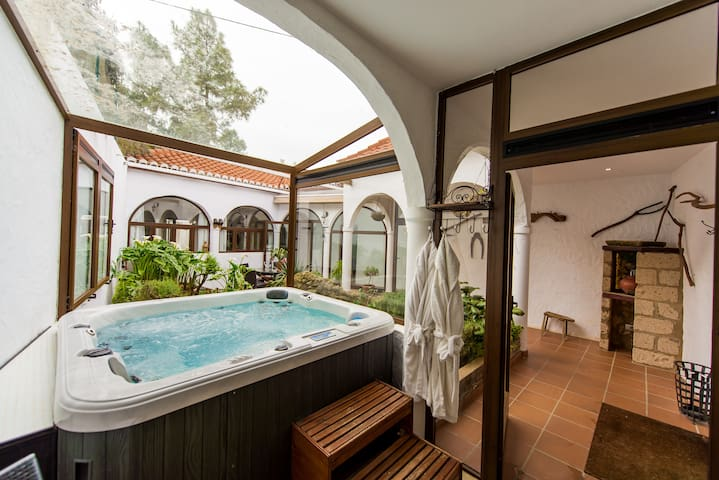 Luxury Canary Cottage with Jacuzzi - Teror - Casa